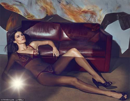 Kendall Jenner quyến rũ ngây ngất với nội y xuyên thấu - 5