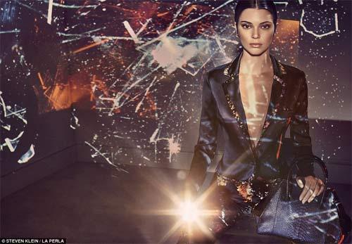 Kendall Jenner quyến rũ ngây ngất với nội y xuyên thấu - 3