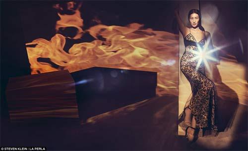 Kendall Jenner quyến rũ ngây ngất với nội y xuyên thấu - 7