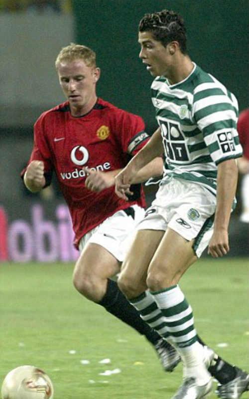 HLV xuất sắc nhất FIFA: Ronaldo bỏ Zidane, chọn Santos - 1