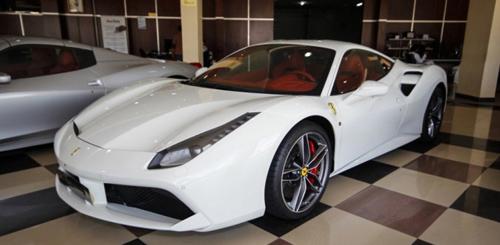 """Cường """"Đô la"""" đưa đón Hạ Vi bằng siêu xe Ferrari 488GTB độ - 1"""