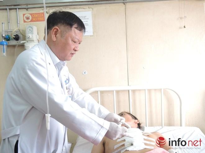 Cứu sống bệnh nhân bị đâm thấu tim do mâu thuẫn tình cảm - 1