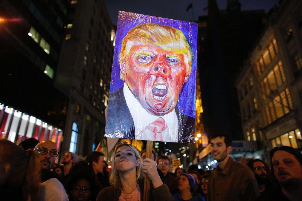 Mỹ: Làn sóng biểu tình chống Trump vẫn chưa dừng lại - 1