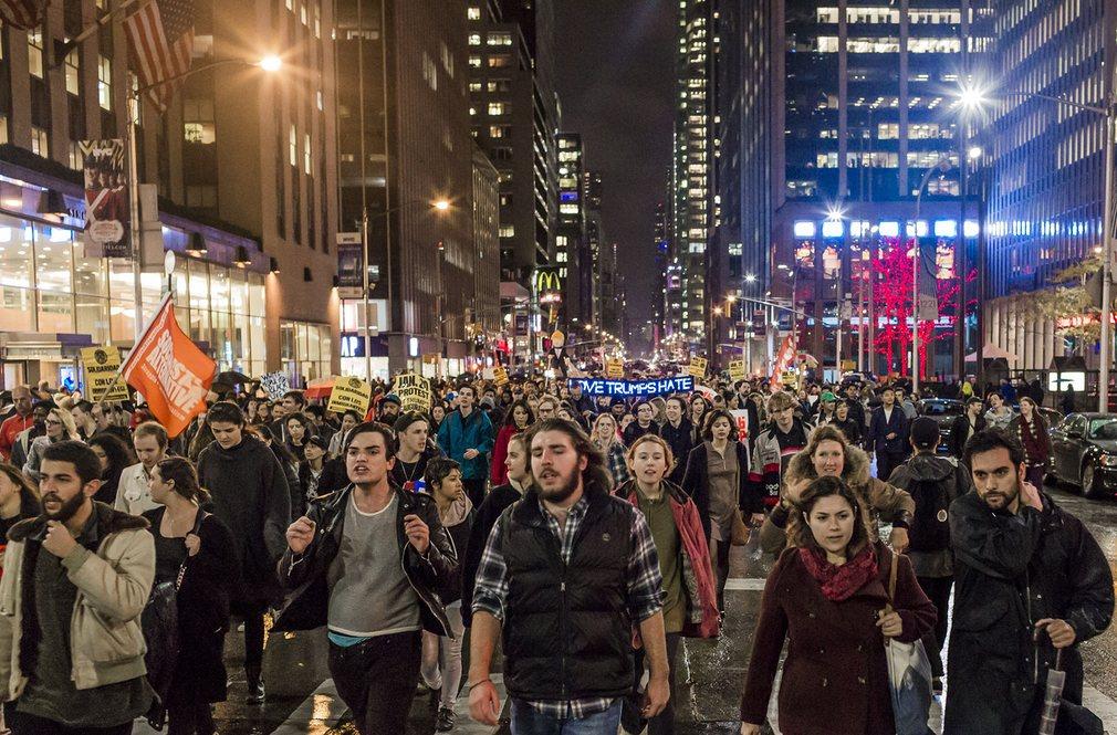 Mỹ: Làn sóng biểu tình chống Trump vẫn chưa dừng lại - 7