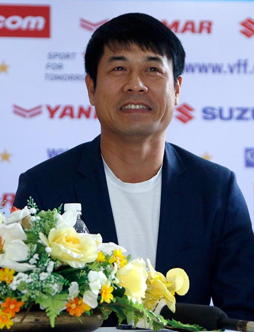 """ĐT Việt Nam: HLV Hữu Thắng """"cầu may"""" trước AFF Cup - 2"""