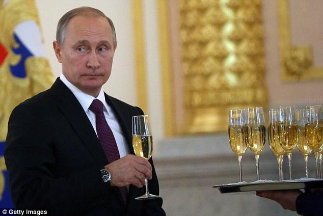 Quan chức Nga: Trump cứu nhân loại khỏi Thế chiến 3 - 1