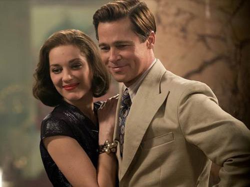 Brad Pitt cười gượng gạo trong ngày ra mắt phim - 4