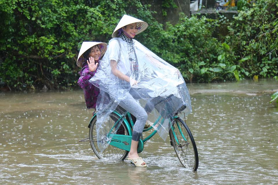 Loạt ảnh này khiến anti-fans phải yêu mến Phạm Hương - 3
