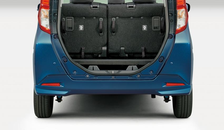 Bộ đôi Toyota Roomy và Tank minivan ra mắt tại Nhật Bản - 6