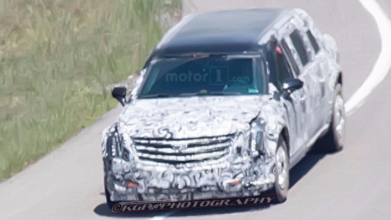 Lộ thêm ảnh thử nghiệm chiếc limousine của tân Tổng thống Mỹ - 4