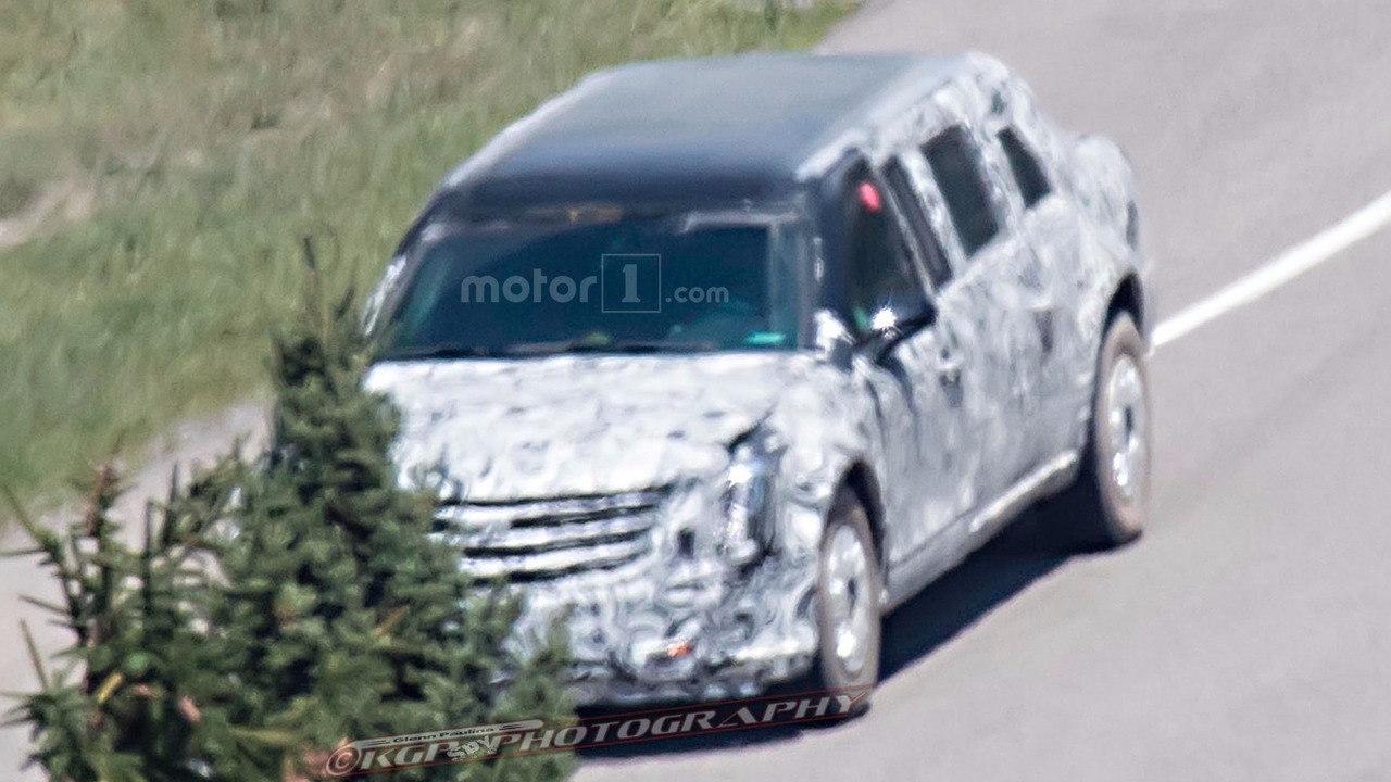 Lộ thêm ảnh thử nghiệm chiếc limousine của tân Tổng thống Mỹ - 2