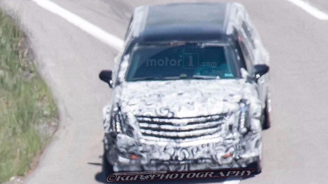 Lộ thêm ảnh thử nghiệm chiếc limousine của tân Tổng thống Mỹ - 1
