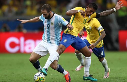 Người cứu được Messi và ĐT Argentina: Ngay ở trước mắt - 2