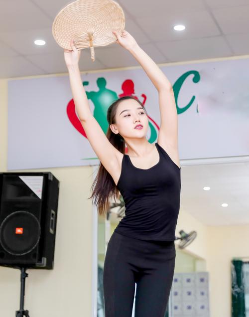 Mỹ nữ thi Hoa hậu Châu Á tích cực tập gym, luyện múa - 11