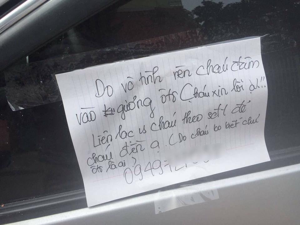 Làm vỡ gương ô tô, nam sinh lớp 11 để lại lời xin lỗi - 1