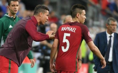 Tin HOT bóng đá tối 11/11: Ronaldo xui Real chiêu mộ đồng hương - 1