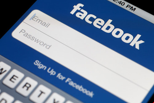 """Facebook mua lại mật khẩu người dùng từ """"chợ đen"""" - 1"""