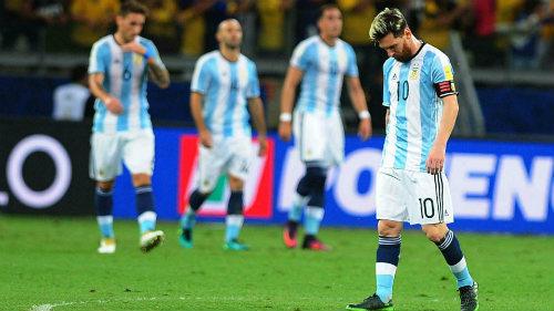 Messi: Cánh én không thể mang mùa xuân về Argentina - 2