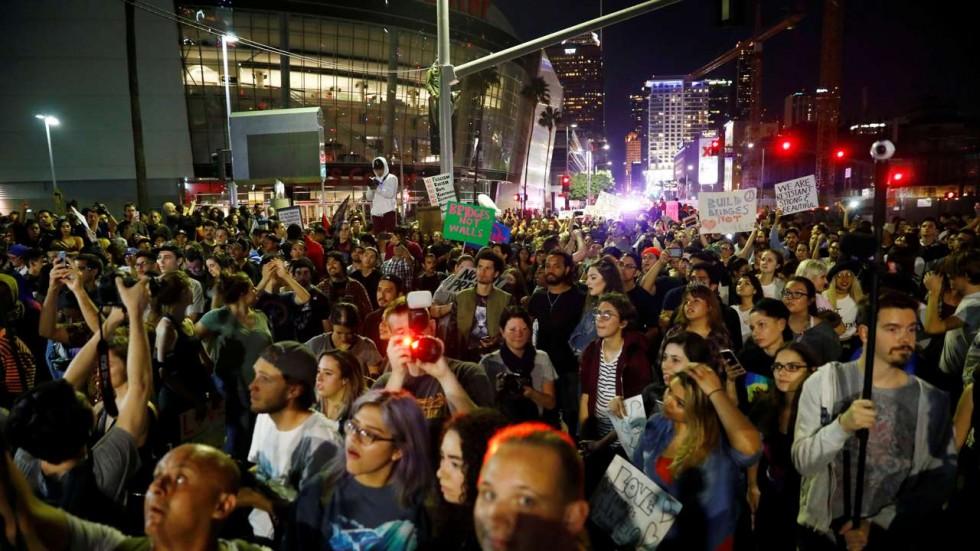 Trump đột nhiên ca ngợi người biểu tình khắp nước Mỹ - 1