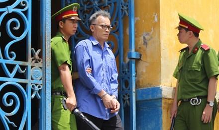 Tuyên án vụ 28 công chức hải quan tiếp tay buôn lậu - 1