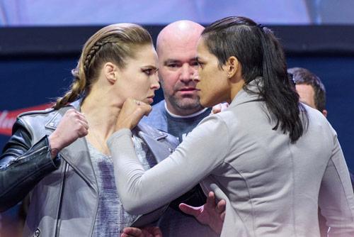 """""""Gã điên UFC"""" đấu Alvarez: Đại chiến giữa 2 vị vua - 5"""