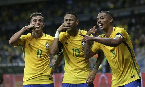 """Brazil xuất hiện tam tấu mới: Tiếp bước """"bộ ba R"""" - 1"""