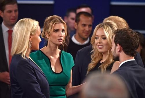 Ái nữ nhà Trump sẽ trở thành biểu tượng thời trang mới của Mỹ - 2