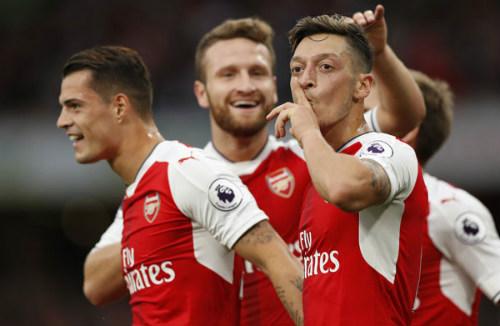Arsenal không bán Ozil, MU - Mourinho đừng mơ - 3