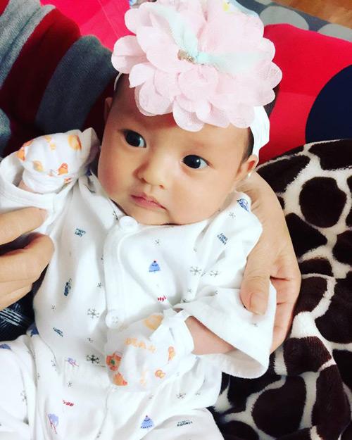 """Ngọt ngào lời """"yêu"""" Hồng Quế dành cho con gái quá xinh 1 tháng tuổi - 1"""