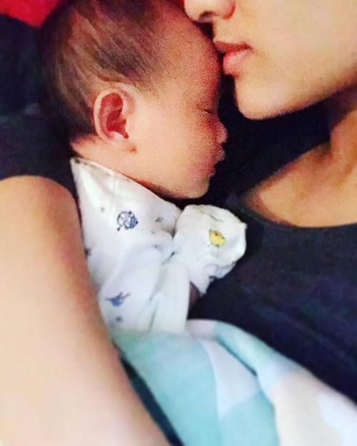 """Ngọt ngào lời """"yêu"""" Hồng Quế dành cho con gái quá xinh 1 tháng tuổi - 3"""