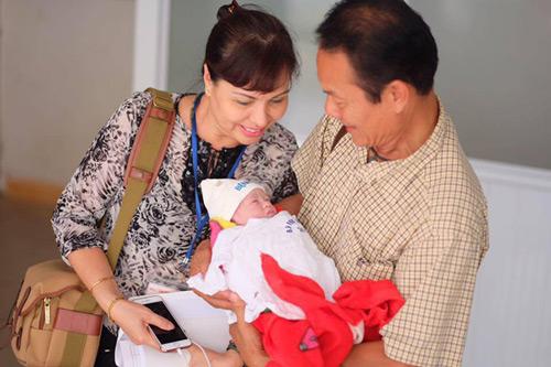 """Ngọt ngào lời """"yêu"""" Hồng Quế dành cho con gái quá xinh 1 tháng tuổi - 6"""