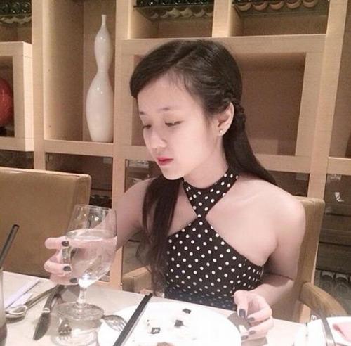Con trai Hoài Linh liên tục cầu hôn bạn gái 19 tuổi - 4