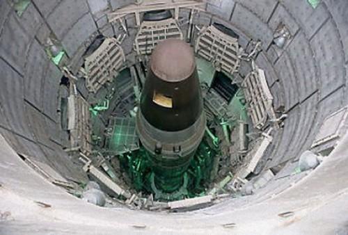 """Quyền lực của Donald Trump với """"nút bấm"""" vũ khí hạt nhân - 3"""