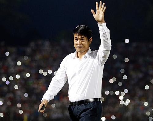 HLV Hữu Thắng hành động bất ngờ khiến đội Nhật vị nể - 2