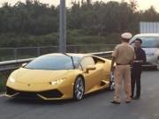 """Cường Đô la và siêu xe bị cảnh sát giao thông """"hỏi thăm""""?"""