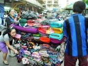 Tin tức trong ngày - Tiểu thương hối hả dời chợ cổ lớn nhất Sài Gòn