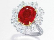 """Tài chính - Bất động sản - Nhẫn kim cương đính hồng ngọc """"huyết bồ câu"""" giá 283 tỉ đồng"""