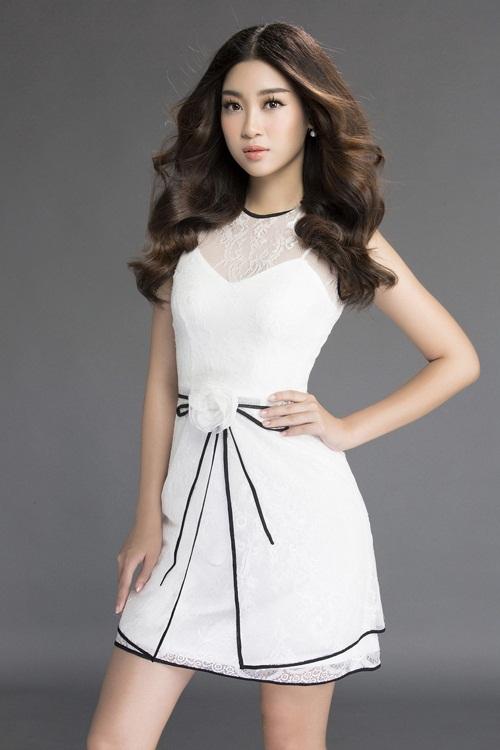 Mướt mắt ngắm HH Mỹ Linh thả dáng trong loạt váy ren hoa - 7