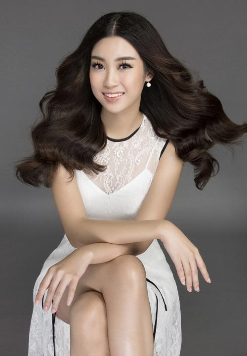 Mướt mắt ngắm HH Mỹ Linh thả dáng trong loạt váy ren hoa - 8