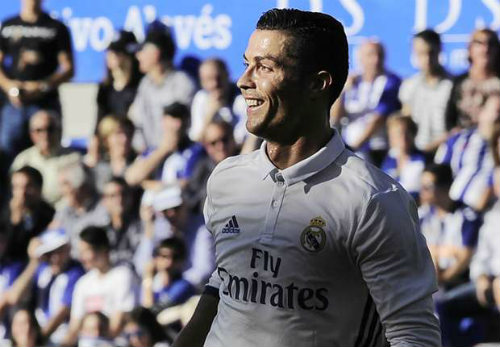 """Ai dám tin Ronaldo """"tỷ đô"""" vẫn kéo cày ở tuổi 41? - 2"""
