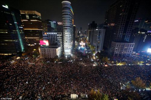 Ảnh: Triệu người biểu tình đòi tổng thống HQ từ chức - 1