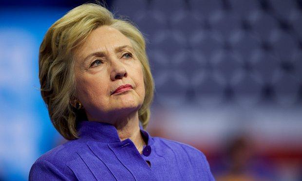 Giám đốc FBI đứng sau thất bại đau đớn của bà Clinton? - 1