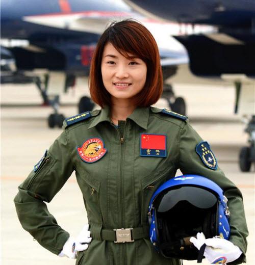 TQ: Nữ phi công đầu tiên lái chiến đấu cơ J-10 tử nạn - 1