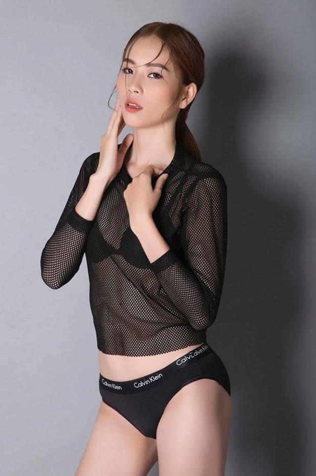 Rò rỉ ảnh chị song sinh của Nam Em cũng sexy đến bất ngờ - 13