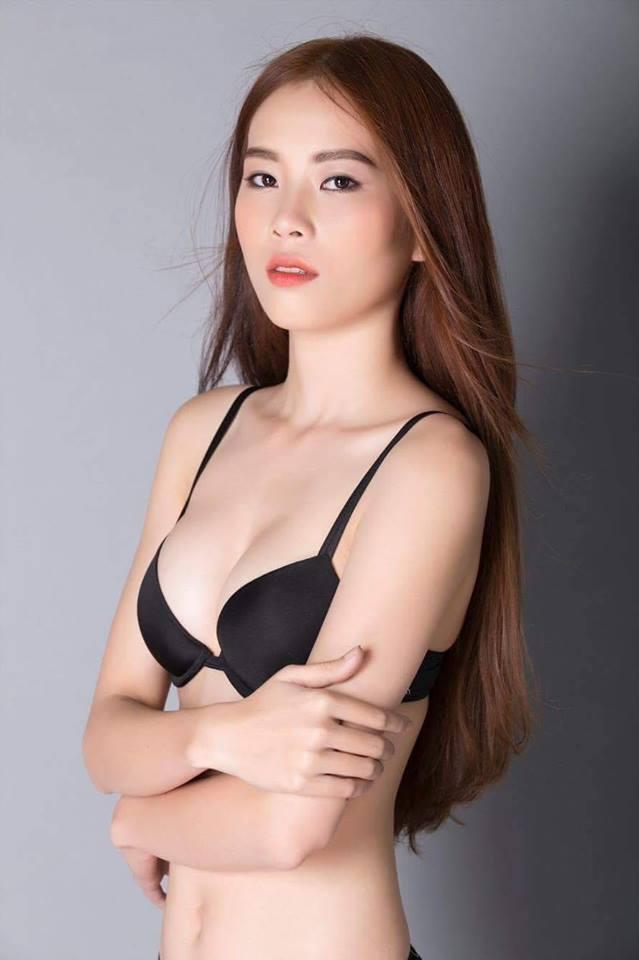 Rò rỉ ảnh chị song sinh của Nam Em cũng sexy đến bất ngờ - 12