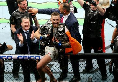 """Chi tiết UFC, McGregor - Alvarez:""""Gã điên"""" lên ngôi thuyết phục (KT) - 3"""