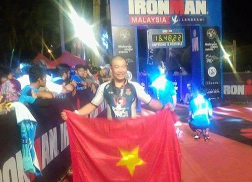 Tin thể thao HOT 13/11: VĐV Việt Nam lập kỳ tích 3 môn phối hợp - 1