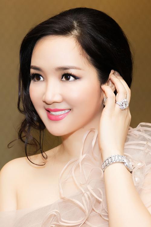 Top 4 mỹ nhân U40,50 đẹp hơn gái 18 của showbiz Việt - 1