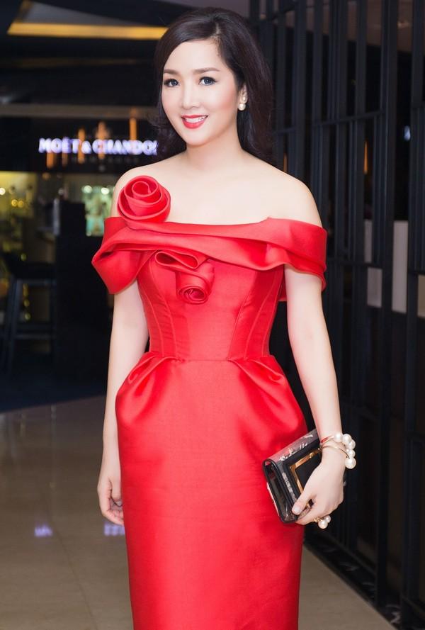Top 4 mỹ nhân U40,50 đẹp hơn gái 18 của showbiz Việt - 4