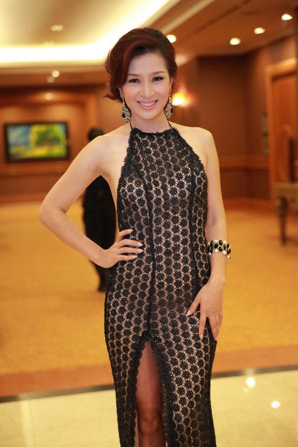 Top 4 mỹ nhân U40,50 đẹp hơn gái 18 của showbiz Việt - 12